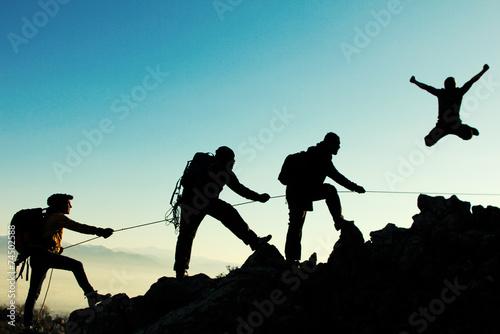 Fotobehang Alpinisme coşkulu dağcı