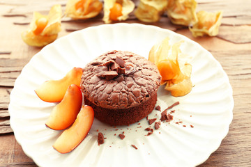 Hot chocolate pudding with fondant centre, close-up