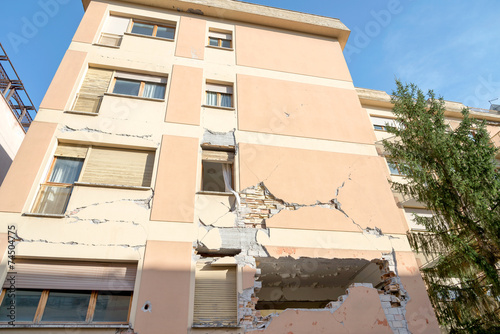 Leinwanddruck Bild City of L'Aquila, Earthquake effects, Abruzzo Italy
