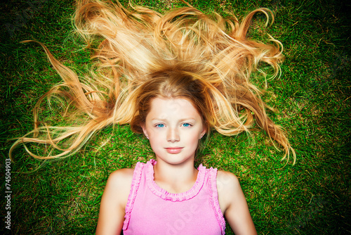 canvas print picture hair on a lawn
