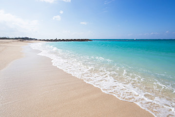 沖縄のビーチ・残波ビーチ