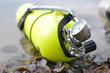 Yellow scuba tank - 74519546