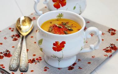 Pumpkin cream soup with orange
