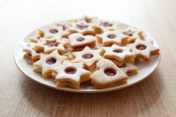 Closeup of Christmas Linzer cookies
