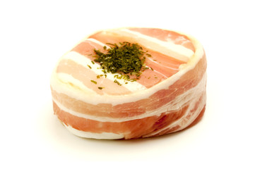 Tomino cheese with pancetta