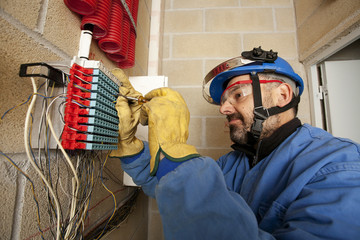 Electricista/Electricista trabajando