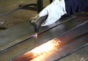 Cutting steel with gas