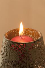 Piccola candela accesa