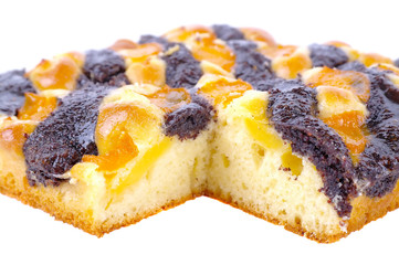 Pie with poppy seeds and fruits