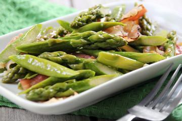 Asparagus fried with bacon