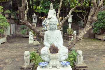 Religious sculptures in Thanh Chuong Viet Palace