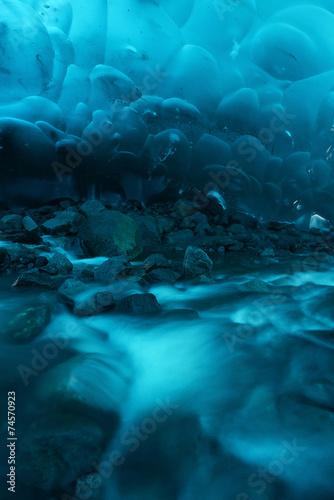 Foto Spatwand Gletsjers ice cave in alaska