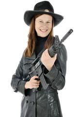 Frau in Sheriff Kostüm mit Gewehr