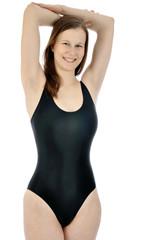 Frau posiert in schwarzem Badeanzug