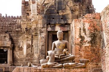 猿寺の仏像 タイ