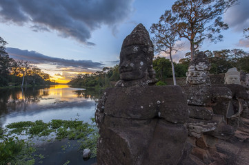 Giants in Angkor Thom