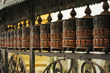 Cilindros de oración budistas