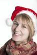 Lächelndes Weihnachtsmädchen