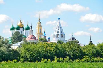 Купола храмов Коломенского кремля