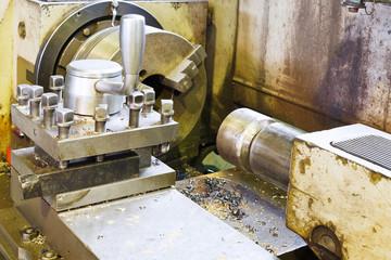 main spindle of metal lathe machine