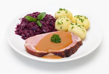 Kasseler mit Rotkohl und Kartoffeln