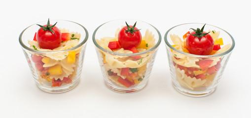 Italienischer Nudelsalat im Glas