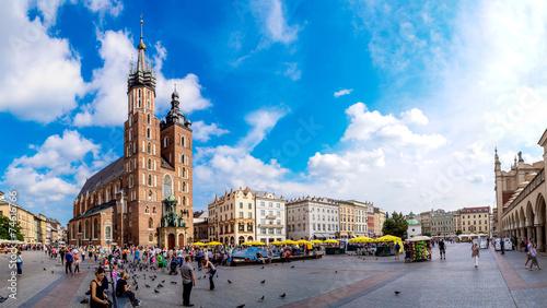 Leinwanddruck Bild St. Mary's Church in a historical part of Krakow