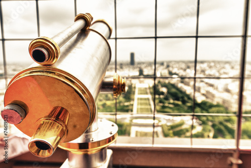 Papiers peints Paris Zooming into Paris. Aerial view from the top of Eiffel Tower