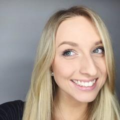 Gesicht einer hübschen jungen Frau