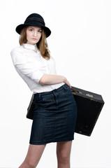 чемоданная девушка
