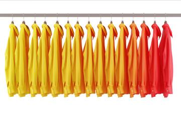 Bunte Hemden im Einzelhandel