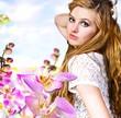 Blumen-Engel, Fee, Elfe: Junge Frau mit Orchideen :)