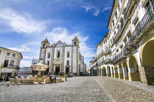 Leinwanddruck Bild View of the Giraldo square located on Evora, Portugal.