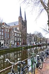Amsterdam e i suoi canali con biciclette