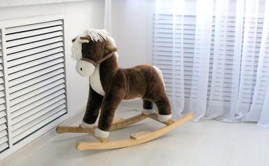 Игрушка - деревянный конь