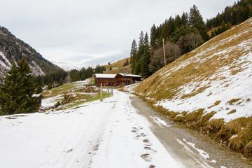 Bergstraße zum Bergbauernhof