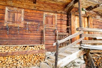 Eingangsbereich am alten Bauernhaus
