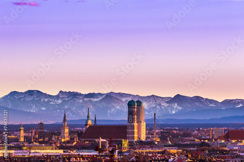 Staande foto Alpen Munich Alps sunset