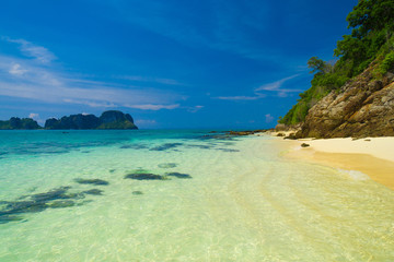 Serene Waters Vacation Wallpaper