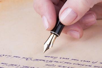 hand schreiben mit alten Füllfederhalter Manuskript
