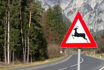 Wildwechsel Verkehrsschild