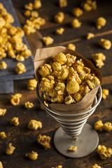 Homemade Crunchy Caramel Popcorn