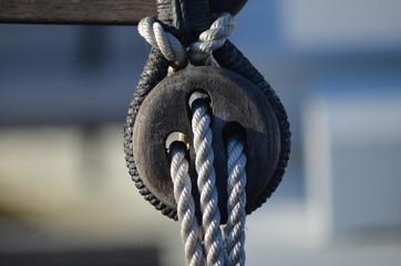 poulie 3 cordes d'un voilier Noirmoutier