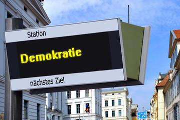 Strassenschild 27 - Demokratie