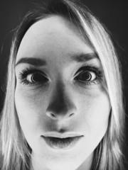 Gesichts-Nahaufnahme einer Frau