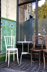 Pavement cafe table and chairs, Buxton © Arena Photo UK