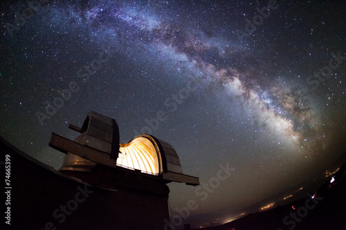 Foto op Canvas Nacht Astronomical observatory under the stars