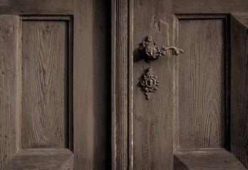 Holztür geheimnisvoll