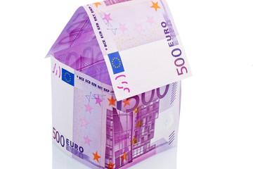 Haus aus Eurogeldscheinen