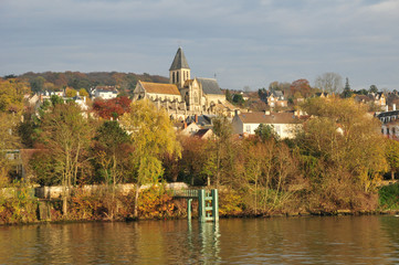 France, the picturesque city of  Triel sur Seine